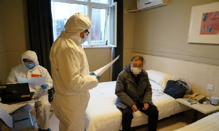 Bệnh nhân Li trong thời gian được điều trị tại bệnh viện ở Thượng Hải đầu tháng này. Ảnh: Shanghaiist.