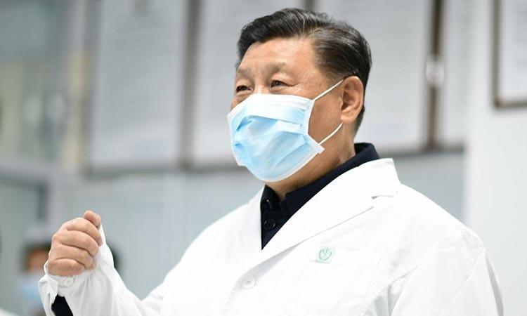 Chủ tịch Trung Quốc Tập Cận Bình thị sát tại bệnh viện ở thủ đô Bắc Kinh hôm 10/2. Ảnh: Xinhua.