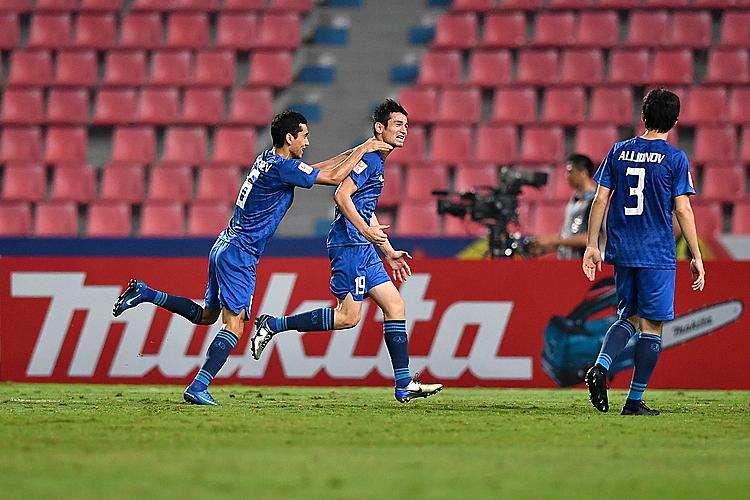 Uzbekistan tỏ ra vượt trội UAE. Ảnh: AFC.