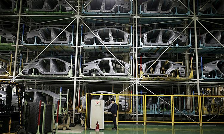Bên trong một nhà máy sản xuất ôtô của Hyundai ở Hàn Quốc. Ảnh: Reuters