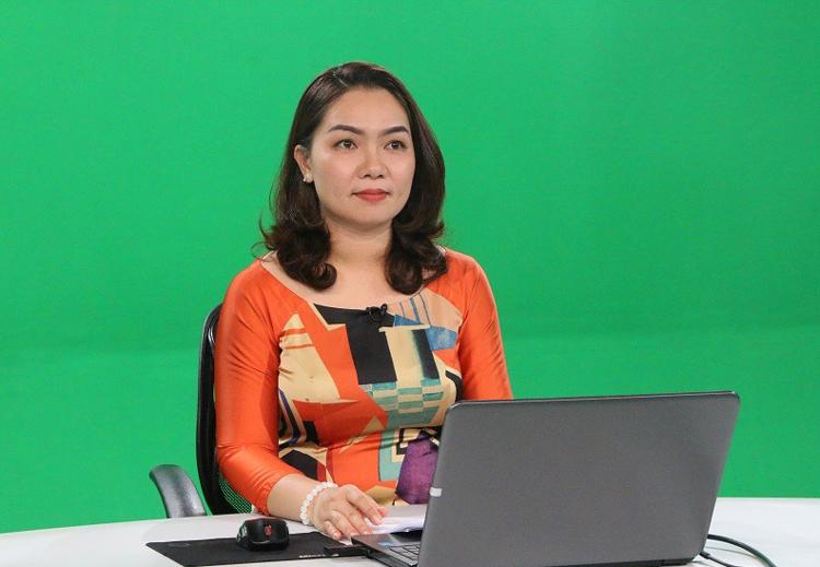 Giáo viên dạy học truyên truyền hình, ôn tập cho học sinh lớp 9 và 12. Ảnh: Sở Giáo dục và Đào tạo Đồng Nai