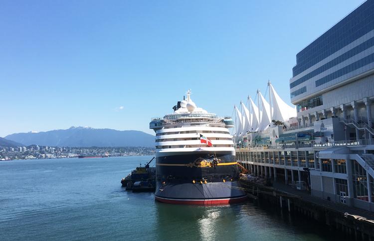 Bến du thuyền Canada Place tại Vancouver. Ảnh: Anh Thi