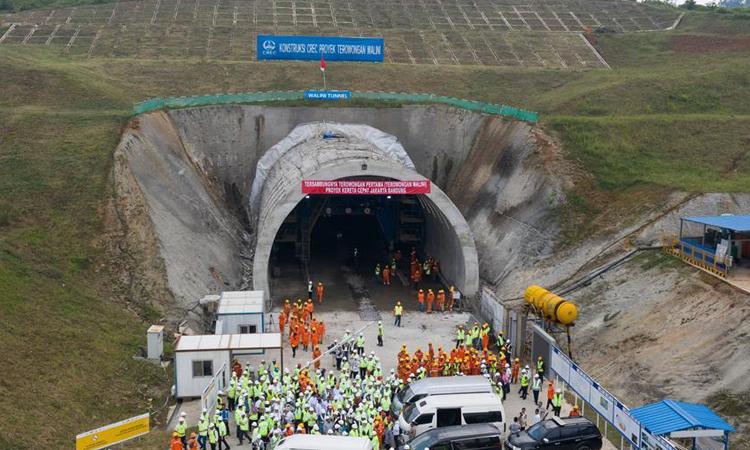 Đường hầm thuộc dự án đường sắt Jakarta - Bandung ở Indonesia hồi tháng 5/2019. Ảnh: Xinhua.