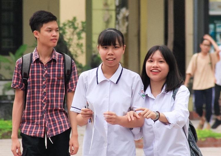 Thí sinh tham dự kỳ thi vào lớp 10 tại Hà Nội năm 2019. Ảnh: Dương Tâm