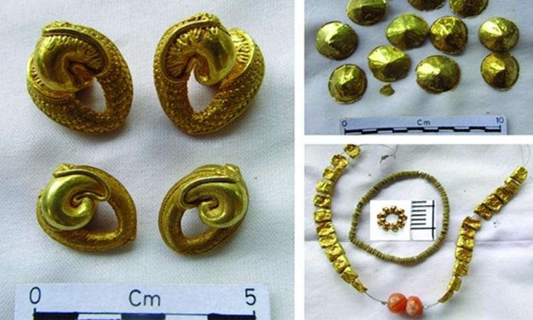 Những đồ trang sứcbằng vàng được chế tác công phu. Ảnh: Ancient Origins.
