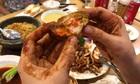 Thói ăn uống lạ của nhiều người Việt