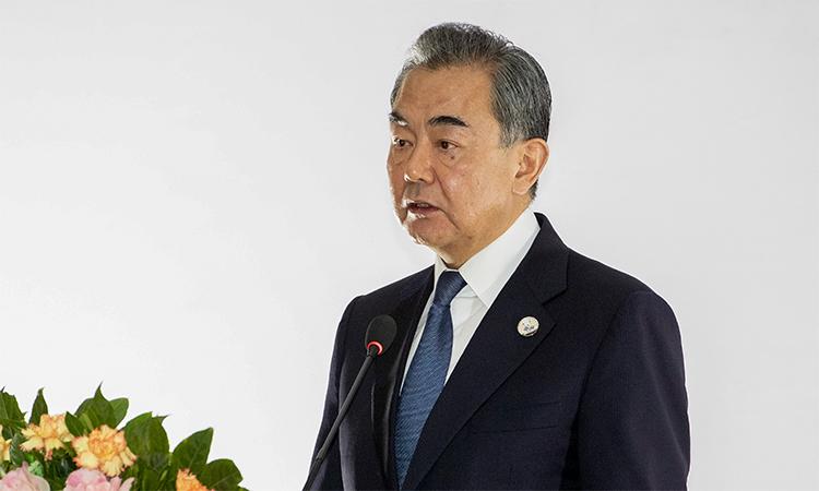 Ngoại trưởng Trung Quốc Vương Nghị tại cuộc họp về dịch Covid-19 ở Vientiane, Lào ngày 20/2. Ảnh: AP.