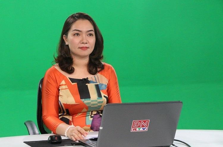 Giáo viên thực hiện ghi hình bài giảng phát sóng trên kênh truyền hình tỉnh Đồng Nai. Ảnh: Sở Giáo dục và Đào tạo Đồng Nai