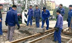 11.300 công nhân đường sắt bị nợ lương