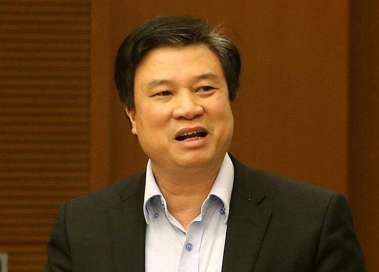 Thứ trưởng Giáo dục và Đào tạo Nguyễn Hữu Độ phát biểu tại cuộc họp sáng 22/2. Ảnh: Đình Nam.