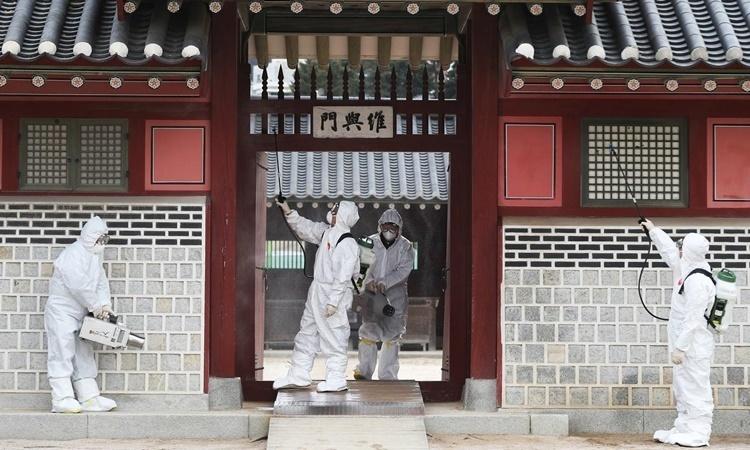 Hơn 550 người Hàn Quốc nhiễm nCoV