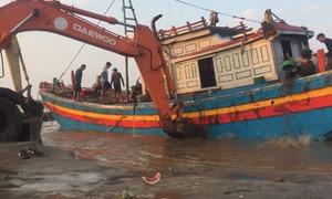 Cứu tàu cá bị chìm trên biển