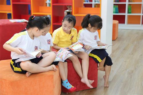 Sự khác biệt giữa bộ não trẻ đọc sách và xem tivi - 2