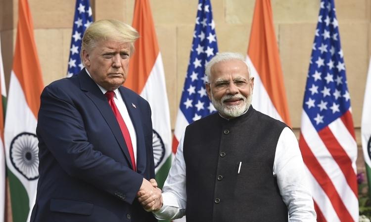 Tổng thống Mỹ Donald Trump (trái) và Thủ tướng Ấn Độ Narendra Modi tại Hyderabad House, New Delhi, hôm 25/2. Ảnh: AFP.
