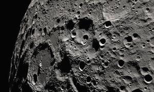 Nửa tối Mặt Trăng nhìn từ tàu vũ trụ