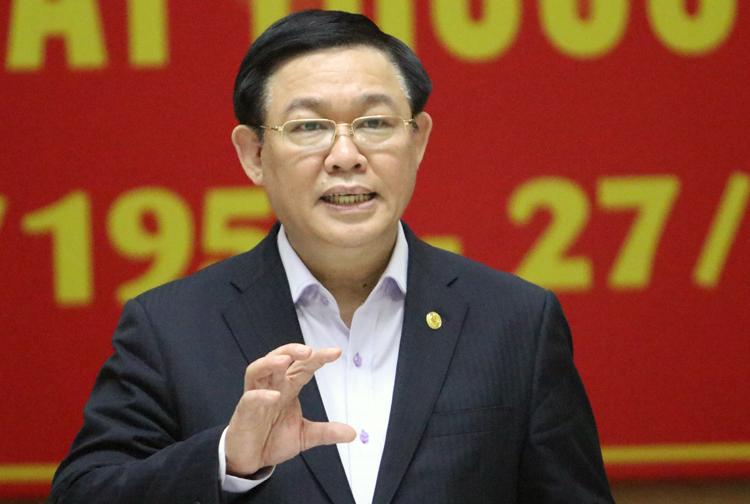 Bí thư Thành uỷ Hà Nội Vương Đình Huệ phát biểu tại Sở y tế Hà Nội sáng 27/2. Ảnh: Võ Hải.