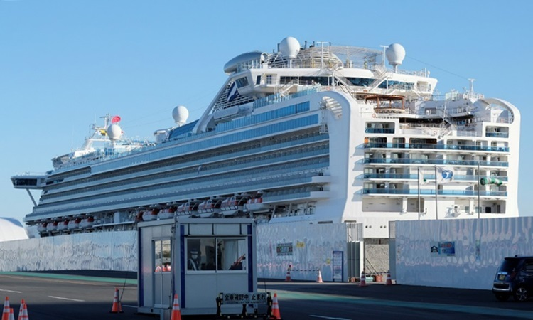 Du thuyền Diamond Princess tại cảng Yokohama, Nhật Bản hôm nay. Ảnh: AFP.
