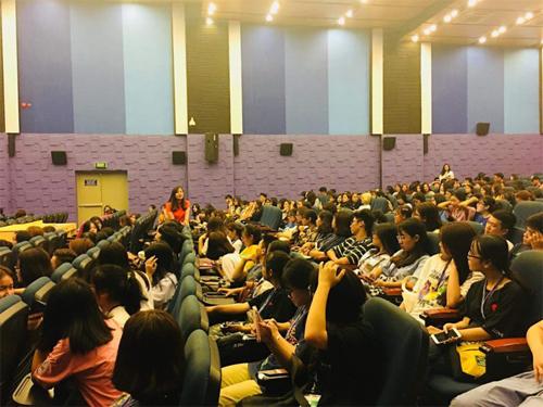 Sinh viên Đại học Thăng Long tham gia buổi đào tạo Orientation về phương pháp học trực tuyến tại FUNiX.