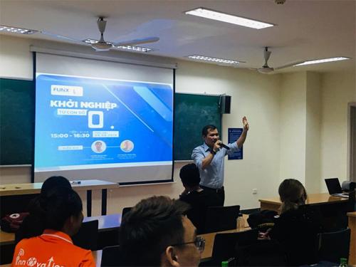 Một buổi gặp gỡ, chia sẻ kinh nghiệm giữa mentor với sinh viên Đại học Thăng Long trong môn học Khởi nghiệp.