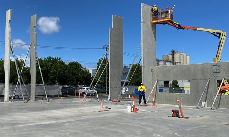 Ảnh chụp tháng 11/2019 cho thấy showroom mới của City Holden đang được xây dựng. Ảnh: WhichCar