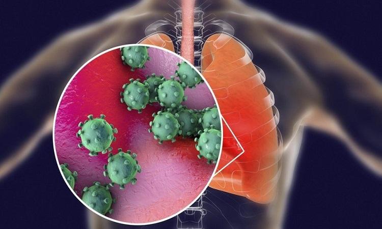 Hai bệnh nhân lớn tuổi được phát hiện mắc Covid-19 trong lúc phẫu thuật. Ảnh: BBC.