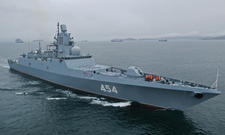 Tàu Đô đốc Gorshkov ra biển hồi cuối năm 2019. Ảnh: VL.ru.