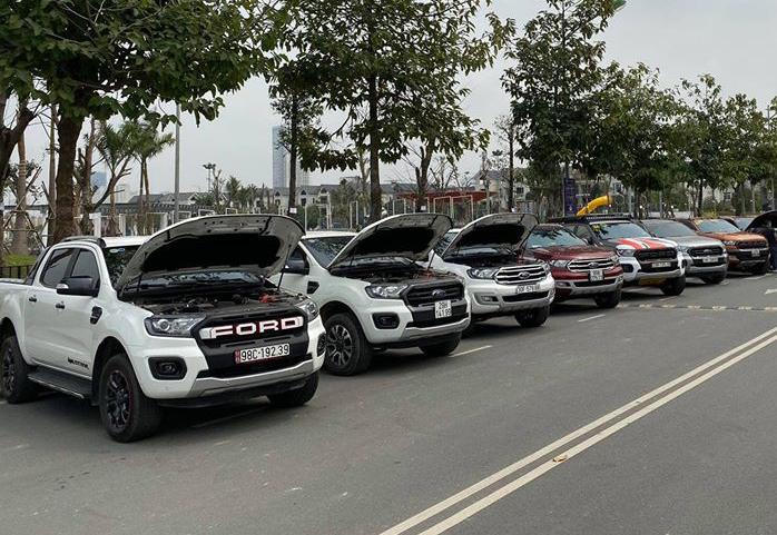 Một nhóm chủ xe Ford gặp mặt tại Hà Nội hôm 1/3. Ảnh: Quốc Việt