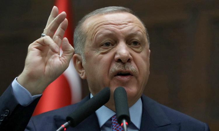 Tổng thống Erdogan phát biểu trong cuộc họp đảng cầm quyền hôm 26/2. Ảnh: AFP.