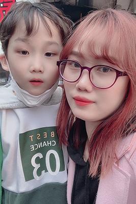 Kiều Trang và con trai. Ảnh: Nhân vật cung cấp