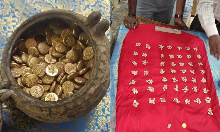 Chiếc hũ cổ chứa hàng trăm đồng vàng được đào lên từ lòng đất. Ảnh: Ancient Origins.