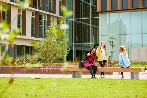 Học bổng tới 50% tại ĐH Northampton, Anh - 1