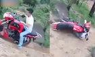 Bị xe phân khối lớn chèn lên người vì cố leo dốc