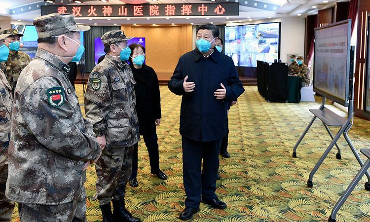 Chủ tịch Trung Quốc Tập Cận Bình thị sát bệnh viện dã chiến Hỏa Thần Sơn ở Vũ Hán, tỉnh Hồ Bắc, Trung Quốc hôm nay. Ảnh: Xinhua.