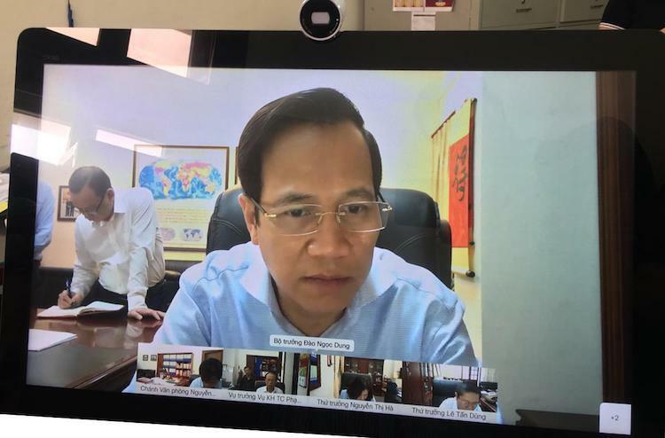 Bộ trưởng Đào Ngọc Dung họp trực tuyến cùng các Thứ trưởng và lãnh đạo đơn vị. Ảnh: Thanh Phúc
