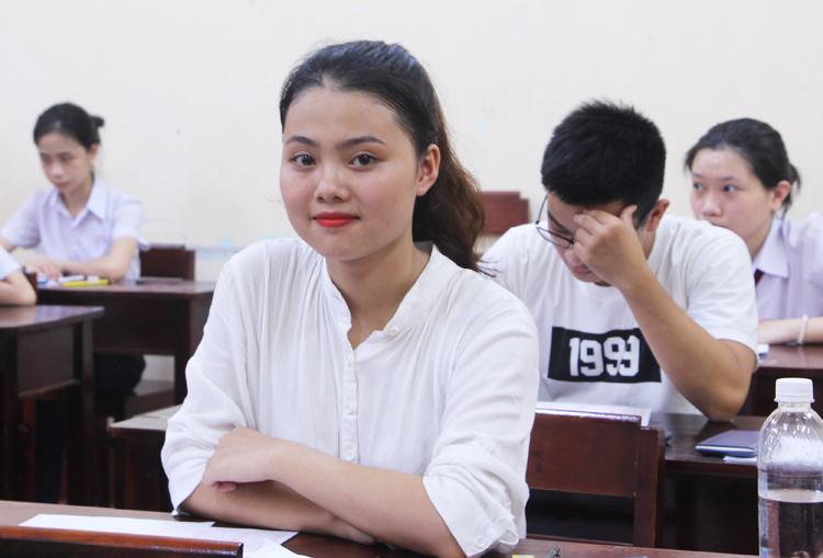 Thí sinh Thừa Thiên Huế dự thi THPT quốc gia năm 2019. Ảnh: Võ Thạnh.