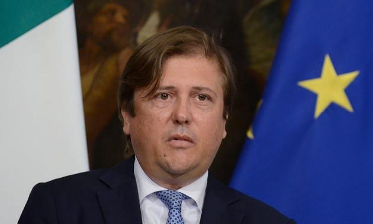 Thứ trưởng Y tế Italy Pierpaolo Sileri tại cuộc họp ở Rome hồi tháng 9/2019. Ảnh: AFP.