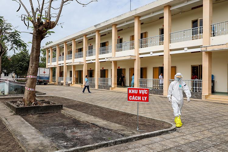 TP HCM đang lập thêm khu cách ly giống bệnh viện dã chiến ở Củ Chi (ảnh) trước bối cảnh dịch bệnh ngày càng nguy hiểm. Ảnh: Như Quỳnh.