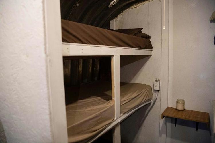 Một chỗ ngủ dưới hầm ở Fortitude Ranch có giá ítnhất 1.000 USD/năm cho gói cơ bản là
