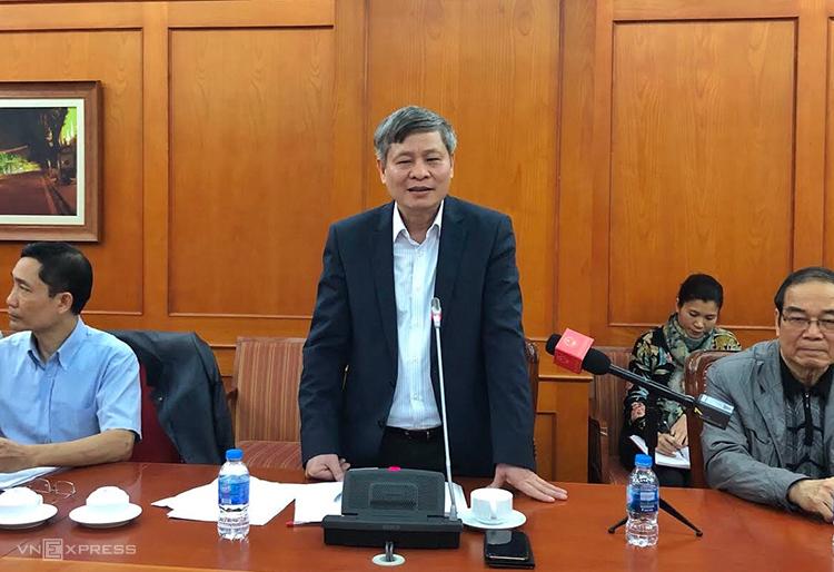 Thứ trưởng Phạm Công Tạc chia sẻ thông tin tại cuộc họp sáng 17/3. Ảnh: BN