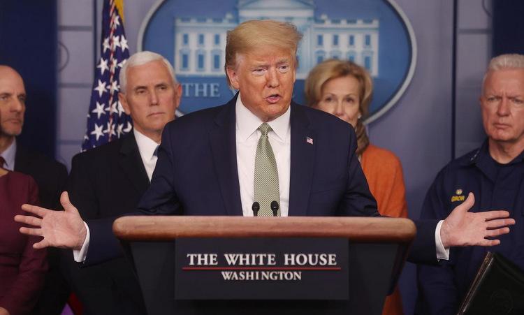 Tổng thống Trump họp báo tại Nhà Trắng hôm 17/3. Ảnh: Reuters.