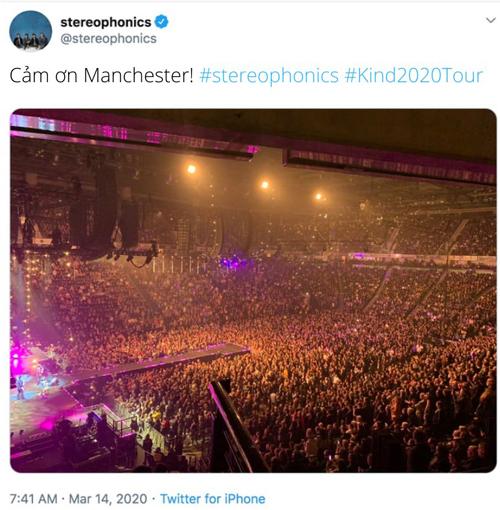 Hàng nghìn người xem hòa nhạc tại Anh.