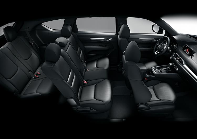 Nội thất Mazda CX-8 rộng rãi với ba hàng ghế.