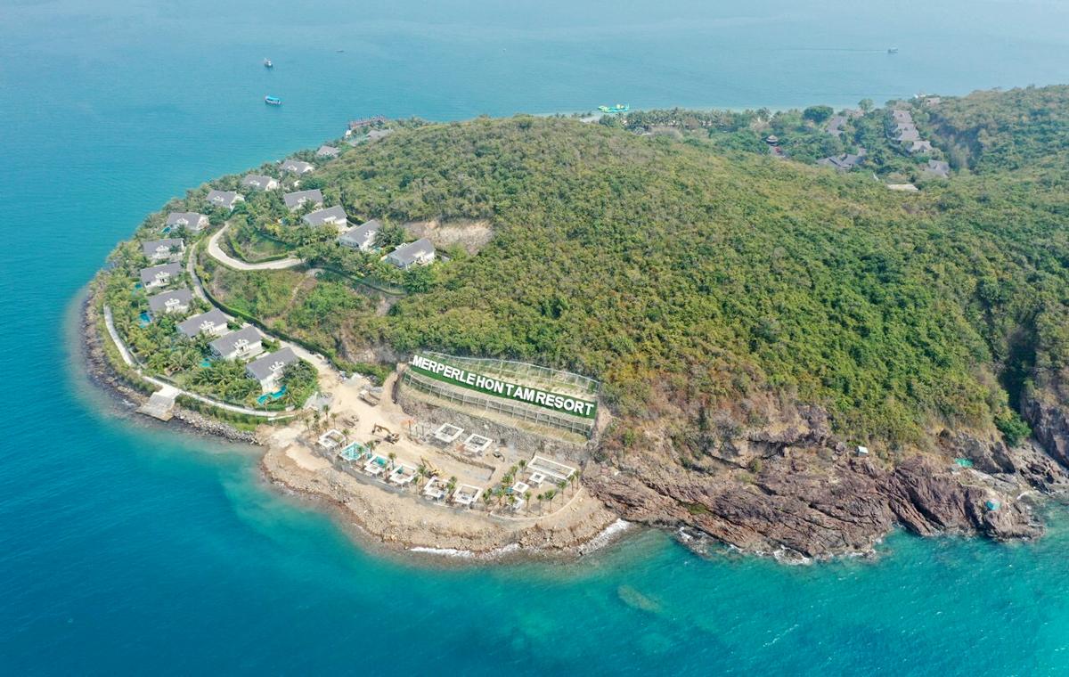 Khu vực Tây Nam đảo Hòn Tằm, nơi doanh nghiệp xây không phép, hồi 10/3. Ảnh: Trần Công.