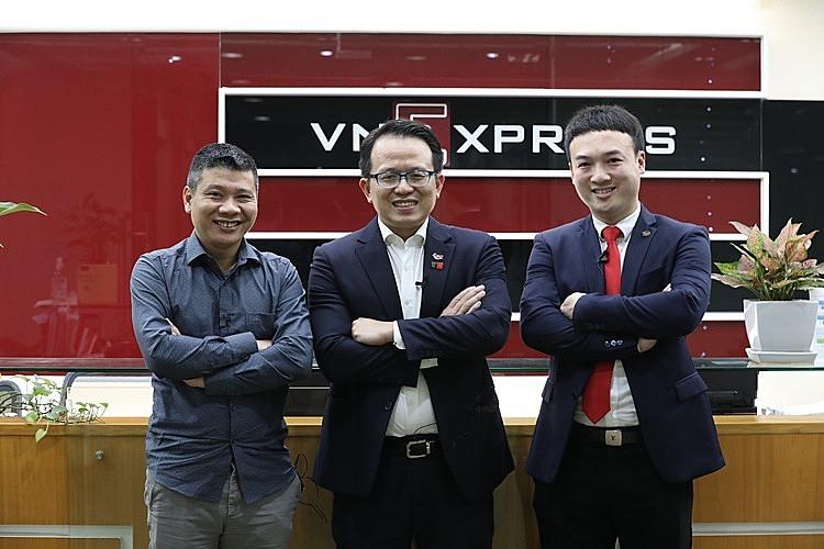 Từ trái qua phải:ông Tuấn Hà - Chủ tịch kiêm Tổng giám đốc Vinalink,Tiến sĩ Hoàng Hà - Giám đốc Swinburne Việt Nam vàTiến sĩ Phạm Bình Dương -cựu du học sinh Swinburne tại Australia.