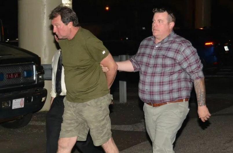Daniel Wells bị cảnh sát bắt giữ. Ảnh: Pensacola News Journal.