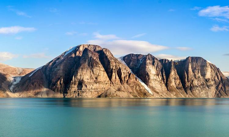 Mẫu đá phân tích được thu thập tại phía nam đảo Baffin. Ảnh: Phys.
