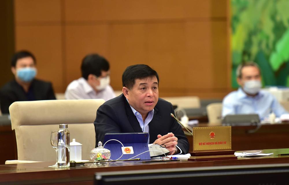 Bộ trưởng Kế hoạch Đầu tư trở lại làm việc sau 14 ngày cách ly vì từng tiếp xúc với bệnh nhân 21. Ảnh: Hoàng Phong.