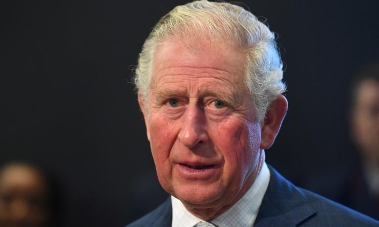 Thái tử Charles thăm bảo tàng ở London ngày 4/3. Ảnh: Reuters.