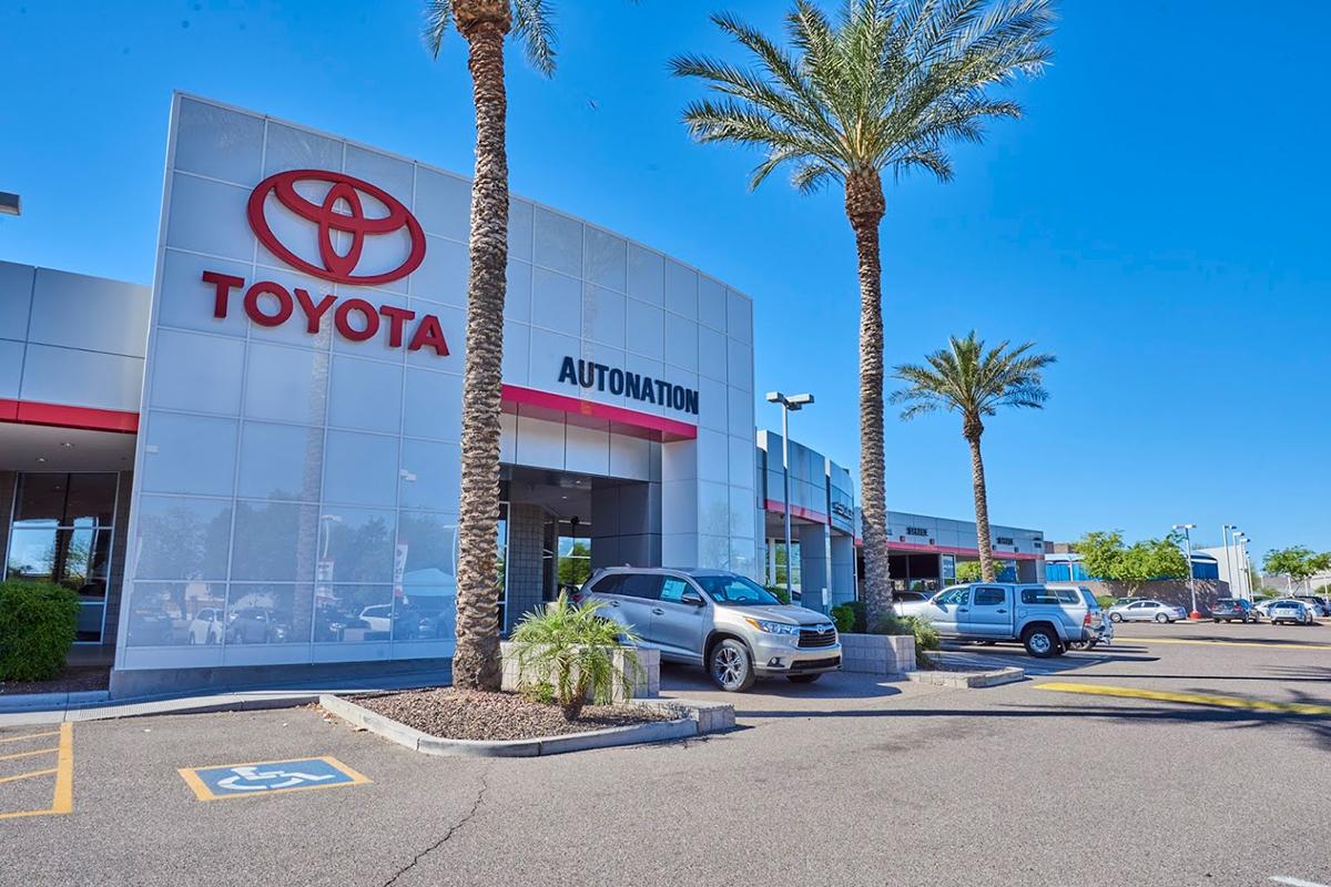 Một đại lý Toyota do Auto Nation phân phối ở bang Aiona.