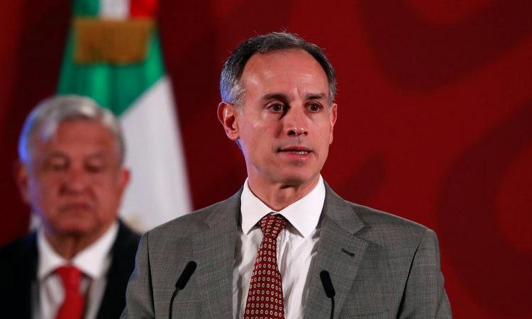 Thứ trưởng Lopez-Gatell Ramirez trong cuộc họp báo ở Mexico City hôm 17/3. Ảnh: Reuters.